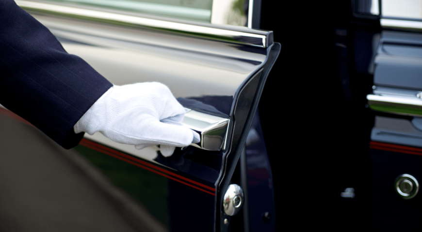 STAY SAFE AND HEALTHY IN WINTERS WITH LIMOUSINE SERVICE