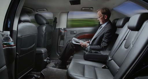 06 Reasons you should be talking About LIMOUSINE