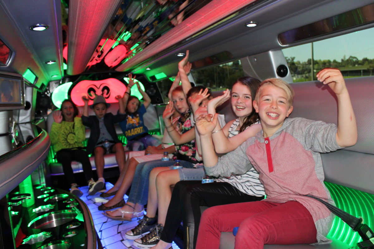 Limo Riding Etiquette for Young Children